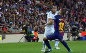 AApEiyD 300x186 - Jogador da Chape brilha durante goleada aplicada pelo Barcelona