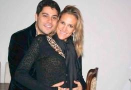Esposa de Evaristo Costa conta qual o novo destino do apresentador