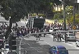 Estudantes realizam protesto no Centro de João Pessoa