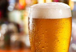 Homem invade casa com 12 latas de cerveja por motivo inusitado