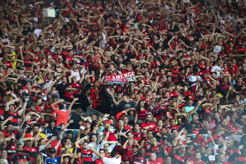 torcida flamengo - Torcedor é proibido de assistir jogos de time após injúria racial