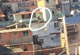 GUERRA URBANA: Vídeo ao vivo no Facebook mostra 1 hora de tiroteio e pânico na Rocinha – VEJA VÍDEO