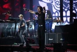 VEJA VÍDEO: Capital Inicial canta 'Que País é Esse?' no RiR e dedica a Temer