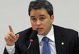 Efraim Filho defende debate sobre o Estatuto do Desarmamento