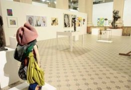 Santander recua e censura exposição de arte após pressão do MBL