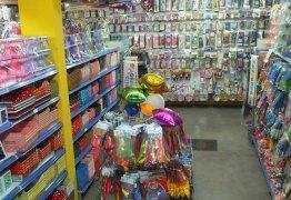 Loja de festas em Mangabeira é fechada por comercializar quase 300 produtos vencidos