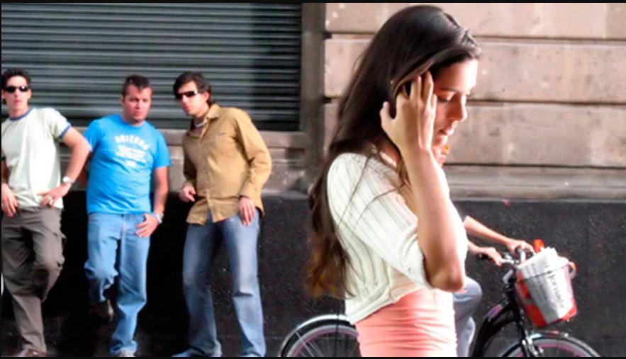 cantada 2 - França pode criminalizar 'cantadas' a mulheres em espaços públicos