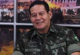VEJA VÍDEO: Lindberg Farias grava vídeo apavorado com declaração do General Mourão