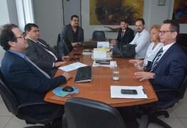 DE OLHO: Acúmulo de cargos e remuneração acima do teto será mapeada na CMJP