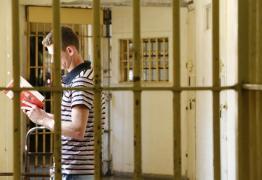 Presos têm pena reduzida por cada livro lido em cadeia de Princesa Isabel, PB