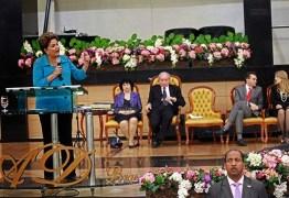 Convenção Batista Nacional proíbe cantores e pregadores que cobram cachê e políticos em seus púlpitos