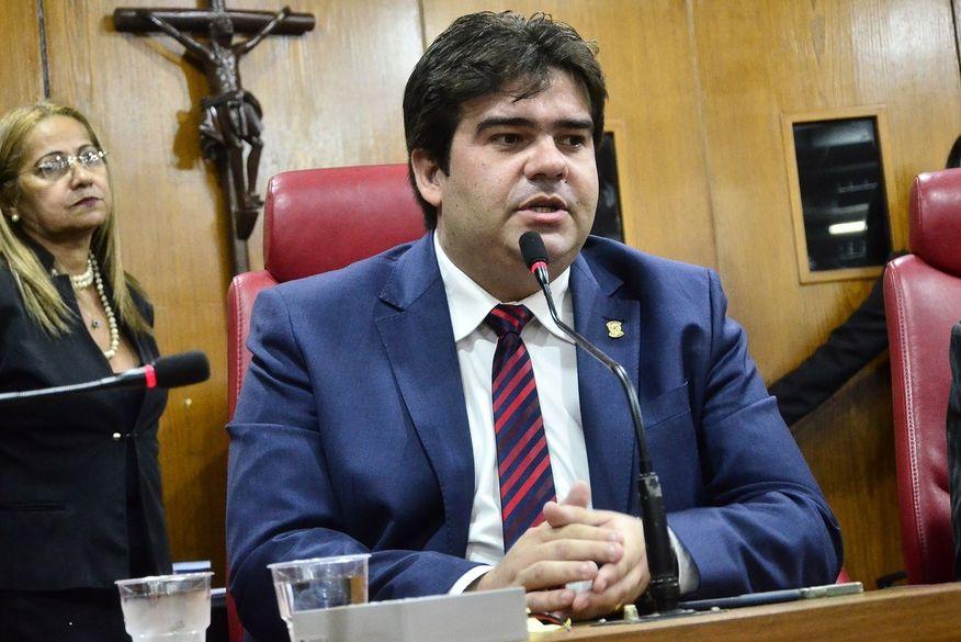 eduardo carneiro - CCJ aprova uso de armas para guardas municipais