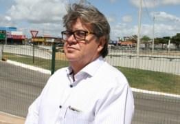 João Azevedo desafia Cartaxo e Romero a anunciarem candidatura para governo da Paraíba, OUÇA