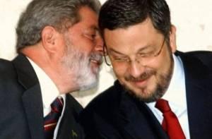 lula com palocci 300x197 - PT confirma processo de expulsão de Antônio Pallocci