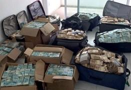 Somem duas malas com parte do dinheiro encontrado em apartamento de Geddel Vieira