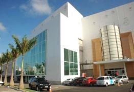 Shopping Manaira é condenado a indenizar cliente em R$ 7 mil após teto desabar em carro
