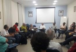 Movimentos sociais se reúnem com Dom Delson por apoio contra reformas de Temer