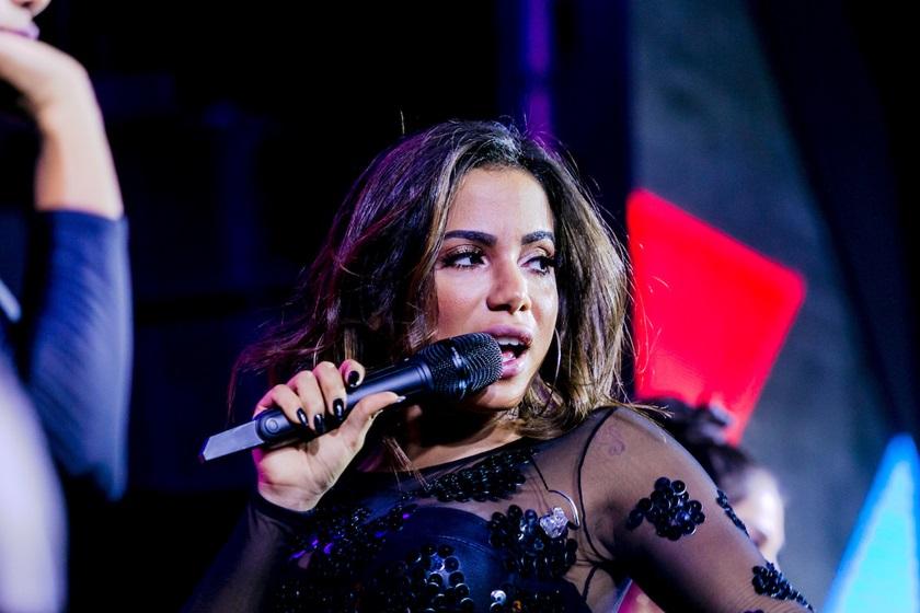 230417 FM 15 Anos De Maria Luiza 060 - Anitta anuncia parceria com Alesso em gravação de clipe na Amazônia