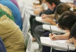 28 mil candidatos fazem prova para professor do Estado neste domingo