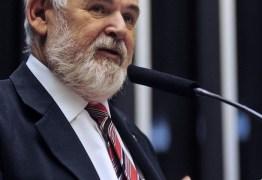 Luiz Couto avalia candidatura ao Senado pelo PT da Paraíba