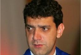 Polícia afasta delegado que fez buscas na casa do filho de Lula