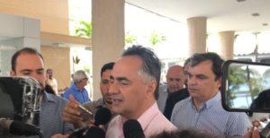 cartaxo entrevista e1506951634409 300x154 - VEJA VÍDEO: Cartaxo afirma que viagem para Patos permitiu diálogo de gestões com Dinaldinho
