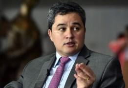 Efraim Filho defende nova fase do DEM: 'conseguimos pensar o partido'