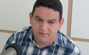 fabiano gomes 09 e1508190645336 300x185 - Radialista Fabiano Gomes é levado às pressas para hospital com suspeita de coronavírus