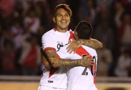 Ídolo do Fla, Guerrero é a grande aposta para o Peru voltar a jogar uma Copa do Mundo