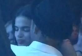 VEJA VÍDEO: Neymar 'rouba' selinho de Bruna Marquezine em casamento de Marina Ruy Barbosa