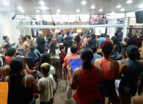 sem teto - Moradores Sem teto fazem protesto contra expulsão de condomínio da Prefeitura em João Pessoa