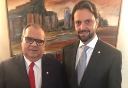Rômulo Gouveia participa de posse do ministro das Cidades