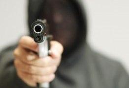Homem é assassinado após deixar netos na escola