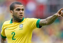 Daniel Alves será o capitão da seleção brasileira contra a Inglaterra