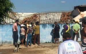 201711060423500000004715 300x188 - Caixa d'água desaba sobre escola e mata duas crianças