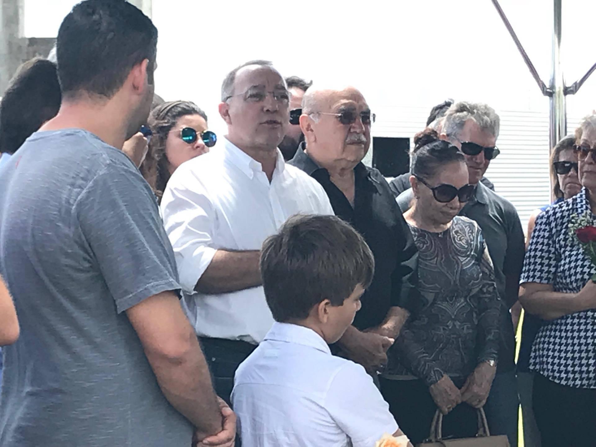 24115555 1637755966280563 1242150620 o - VEJA VÍDEOS: Sócio de empresário assassinado diz durante sepultamento que 'gabinetes bacanas de Brasília' deixam população à mercê de bandidos