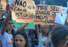 PEC que criminaliza aborto até em casos de estupro revolta mulheres, que vão às ruas protestar