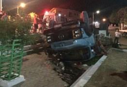 Motorista é detido após tombar caminhão na PB