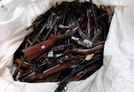 Um ano após decreto, país reutiliza menos de 200 armas das mais de 135 mil apreendidas