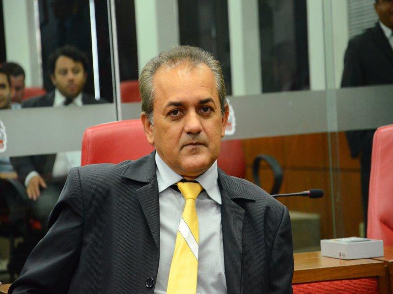 coras - Quando efetivamente João Corujinha irá tirar licença para beneficiar o suplente Guga de Jaguaribe?