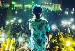 MC Doguinha canta letras obscenas ao lado de adultos desde 9 anos e, aos 12, faz até 13 shows por semana- Veja vídeos