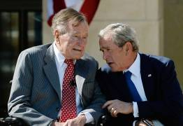 Bushs pai e filho atacam Trump e afirmam não terem votado no presidente