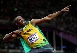 Usain Bolt faz teste com Porsche na Austrália e recebe elogios