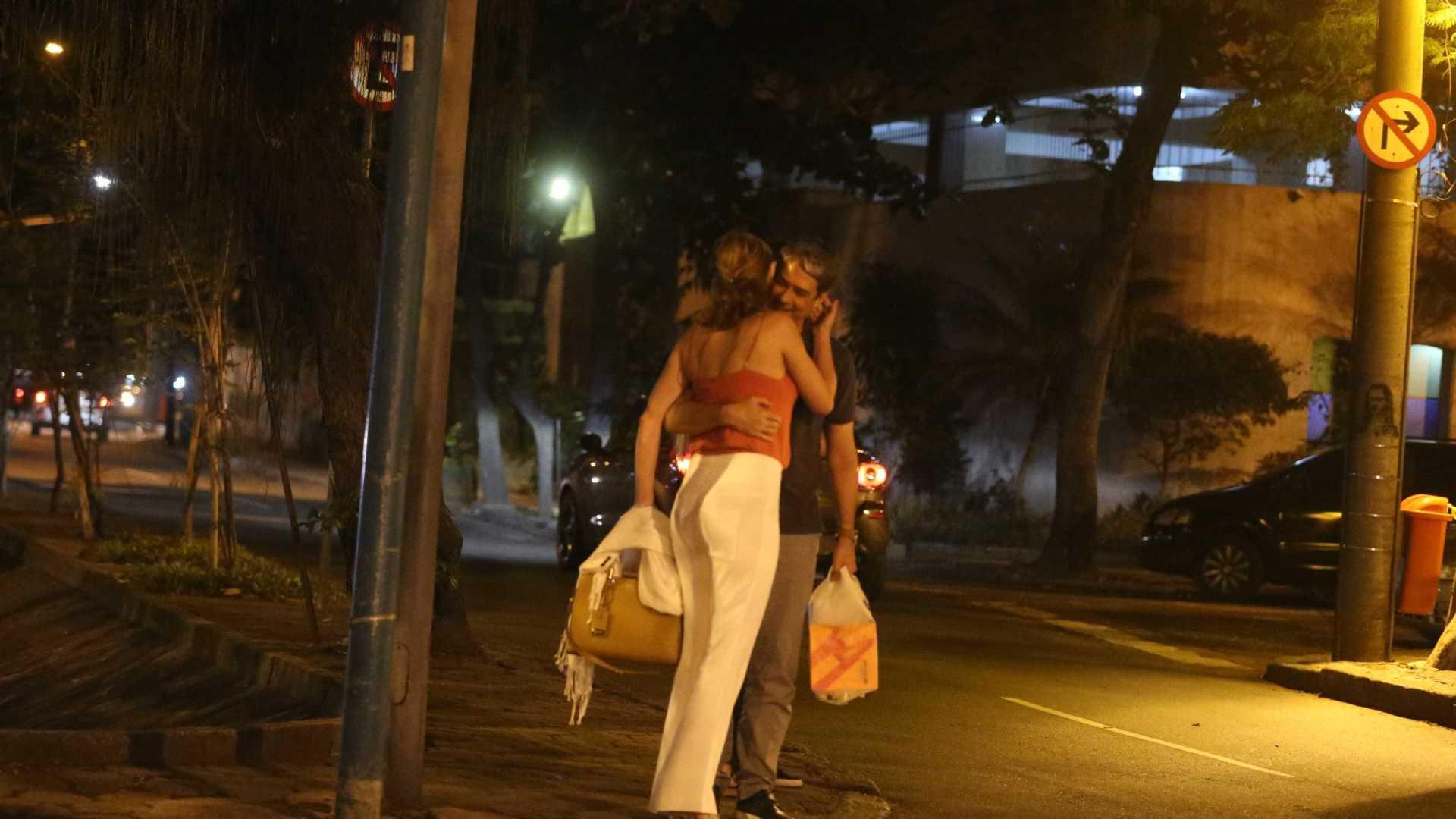 naom 5a094d9157572 - William Bonner troca carinhos com a namorada no Rio