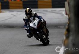 Imagens chocantes! Piloto morre em grave acidente de moto no GP de Macau -VEJA VÍDEO