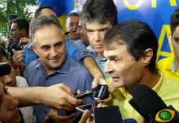 Desconfortável, Romero Rodrigues admite que alguém precisa abrir mão da candidatura