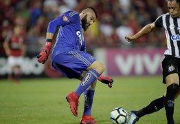 Com duas falhas de Muralha, Santos vence o Flamengo na Ilha do Urubu – VEJA VÍDEOS DOS GOLS