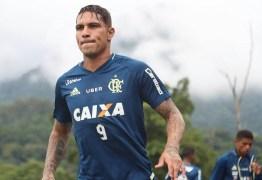 Flamengo projeta Guerrero na semifinal da Sul-Americana, caso suspensão termine