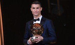 Cristiano Ronaldo é penta da Bola de Ouro, e Neymar fica na terceira