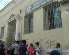VÍDEO – Professores de escola pública do Agreste paraibano paralisam atividades por falta de pagamento